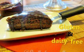 torta al cioccolato con crema di avocado