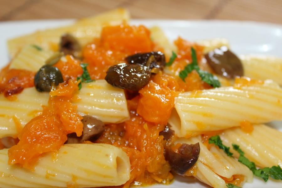 pasta zucca e olive taggiasche