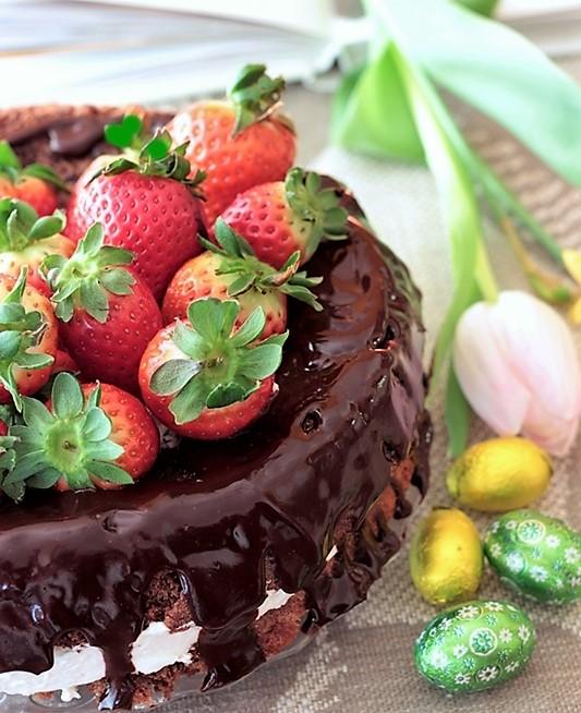 torta cioccolato e fragole senza glutine