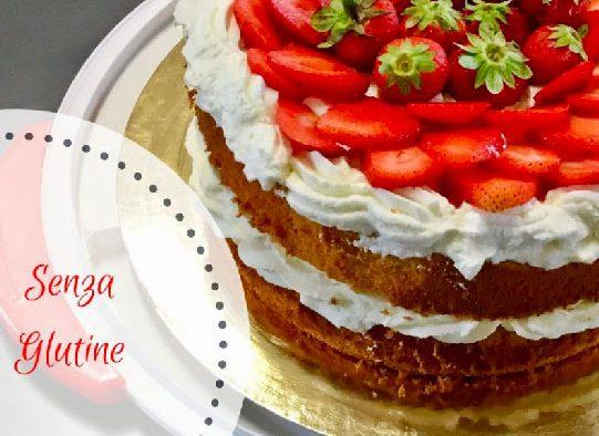 chiffon cake senza glutine con crema al cioccolato bianco