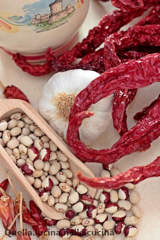 pasta al torchio ai fagioli e peperoni cruschi ingredienti