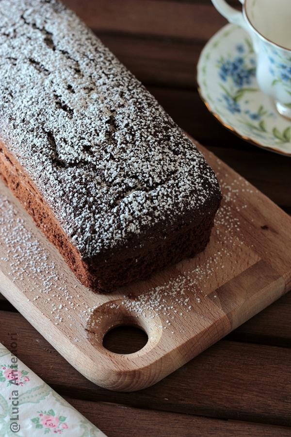 Plumcake al cioccolato fondente senza glutine