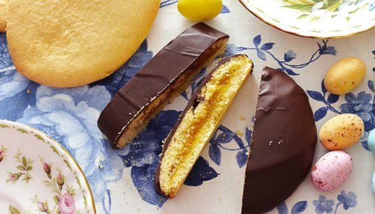 biscotti di pasqua farciti e glassati al cioccolato
