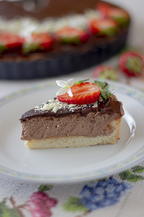 torta al cioccolato e fragole senza uova