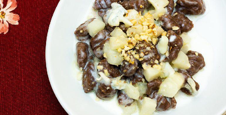 gnocchi-al-cioccolato-pere-e-gorgonzola